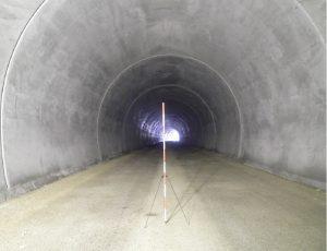 深山トンネル