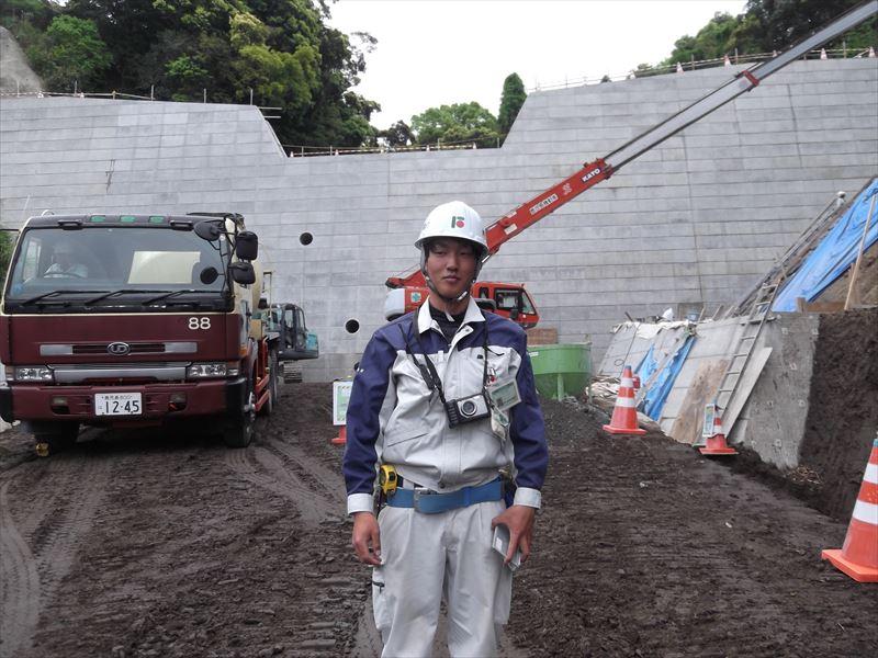 桜島の松浦川現場に赴任、現場運営や写真管理を先輩に倣って勉強中です!