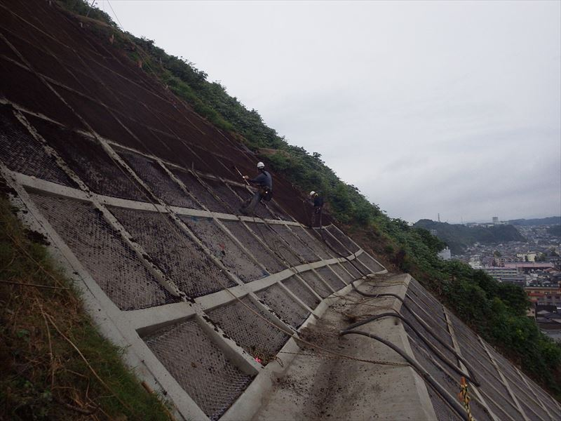 急傾斜地崩壊対策工事(小野地区)