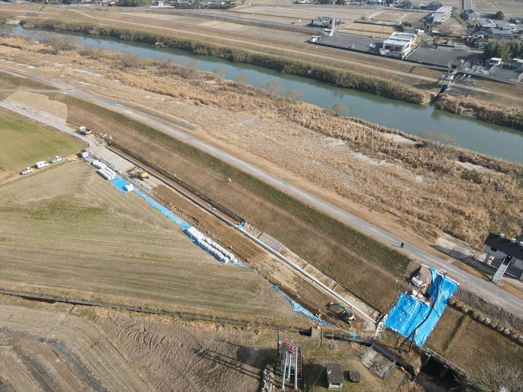 吉松地区右岸堤防強化その2工事